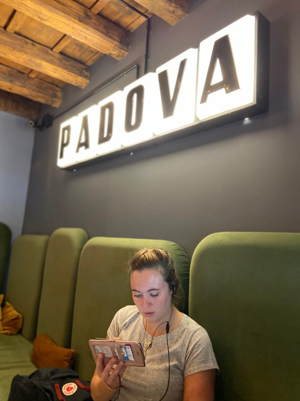 Lauren under Padova sign